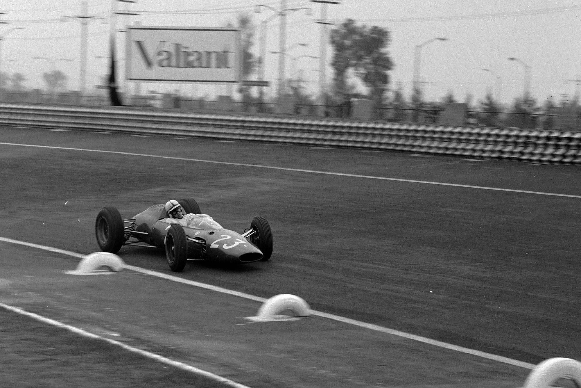 John Surtees, Ferrari 156 Aero.
