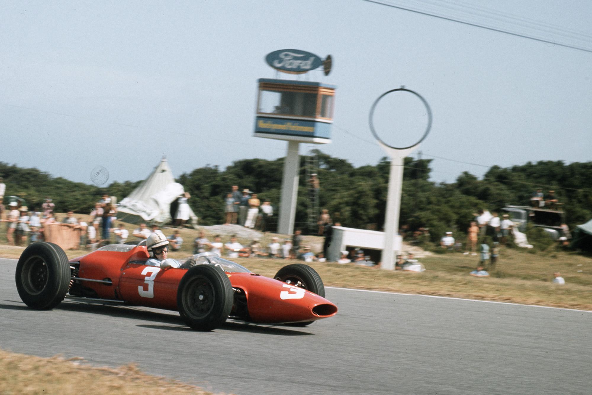 John Surtees (Ferrari Dino 156).