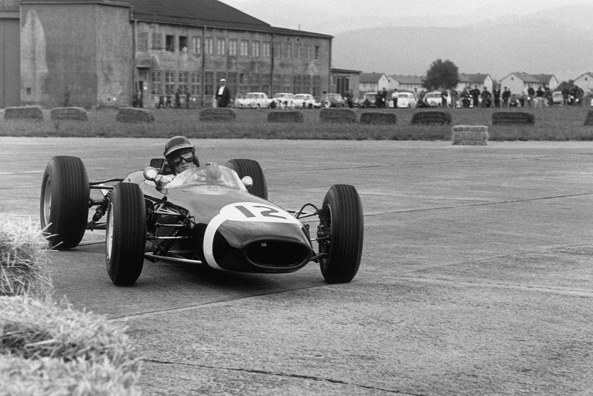 Jochen Rindt (Brabham BT11-BRM).