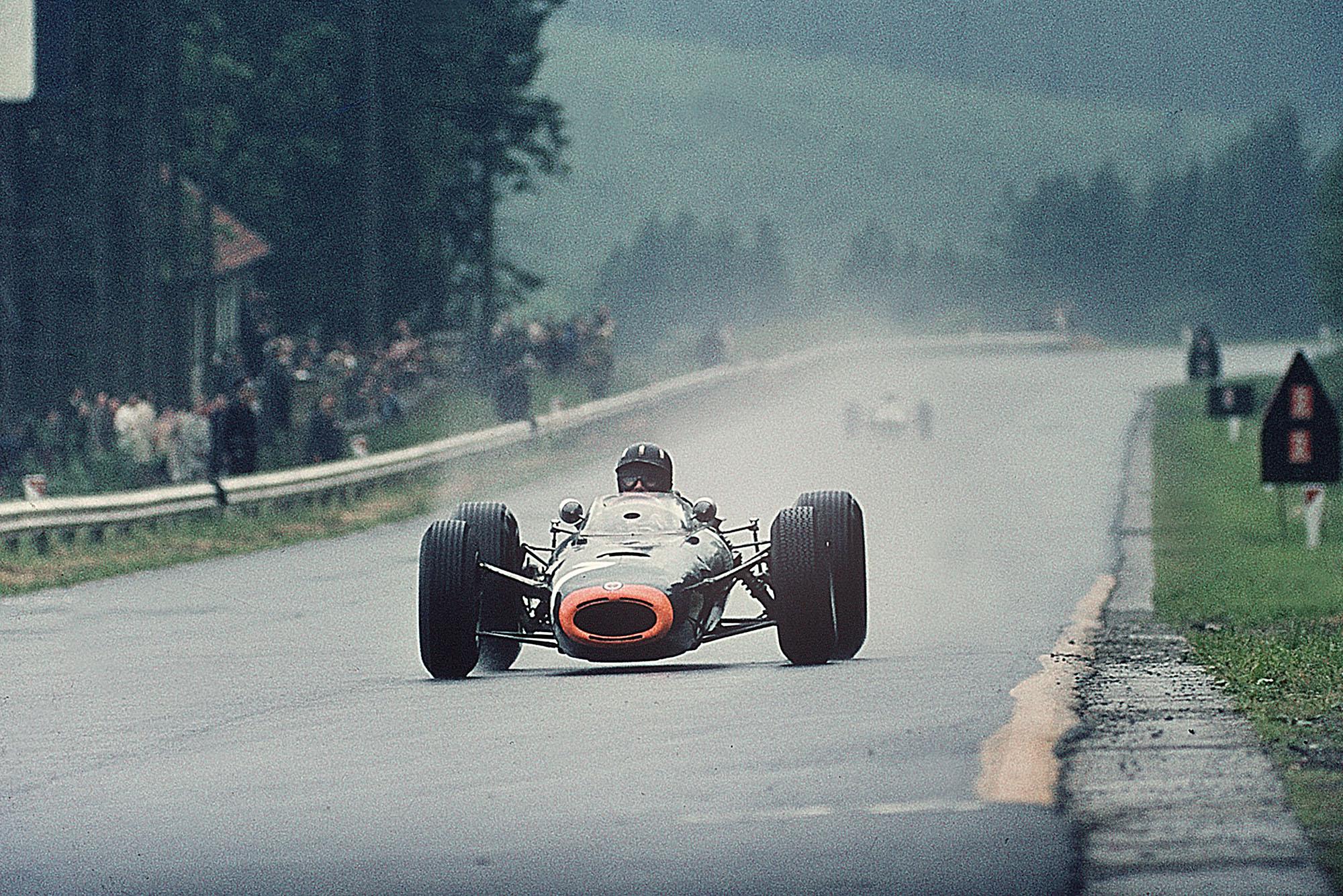 Graham Hill (BRM P261)