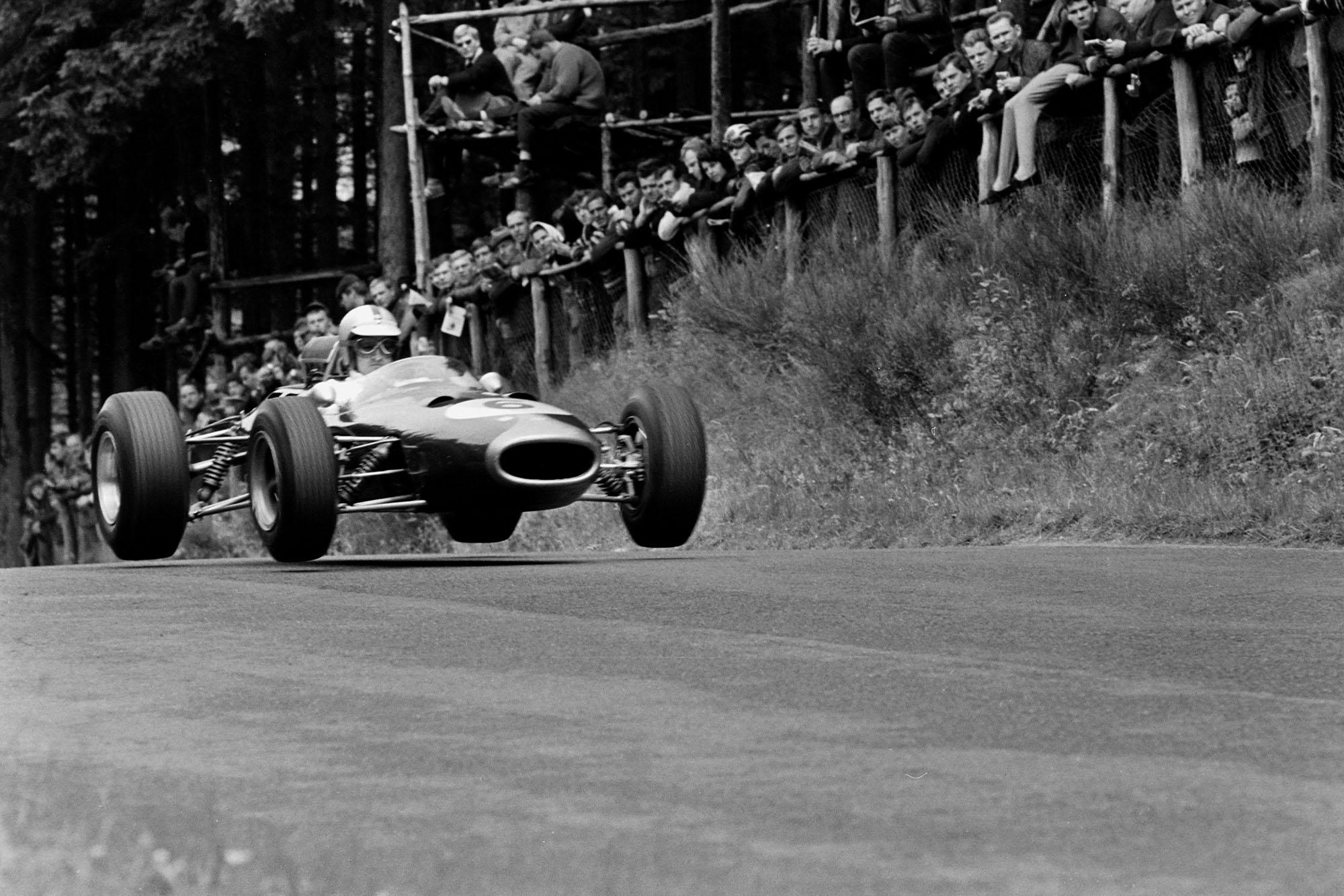 Denny Hulme, Brabham BT7 Climax.