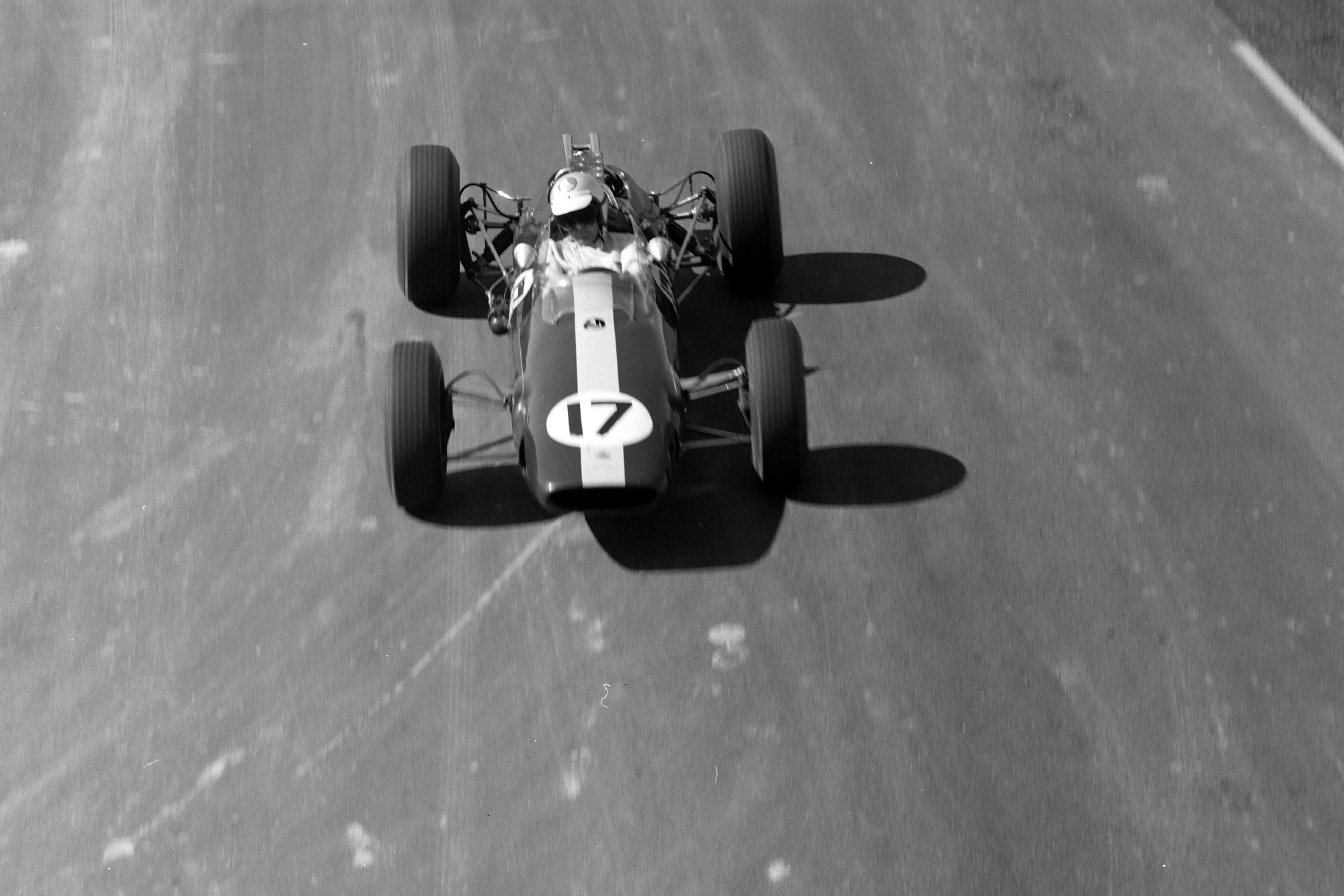 Walt Hansgen, Lotus 33 Climax.