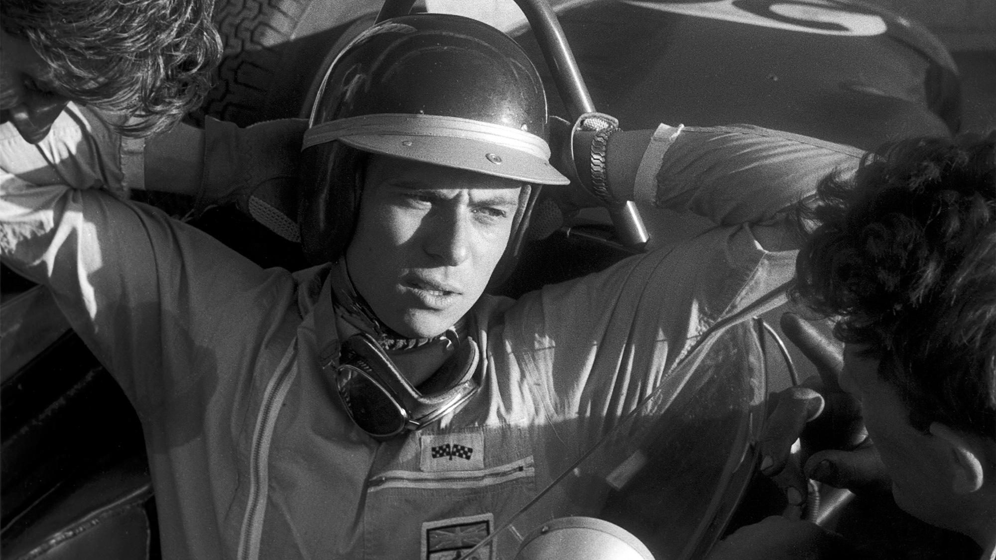 Jim Clark in his Lotus 18 at the 1961 Syracuse Grand prix