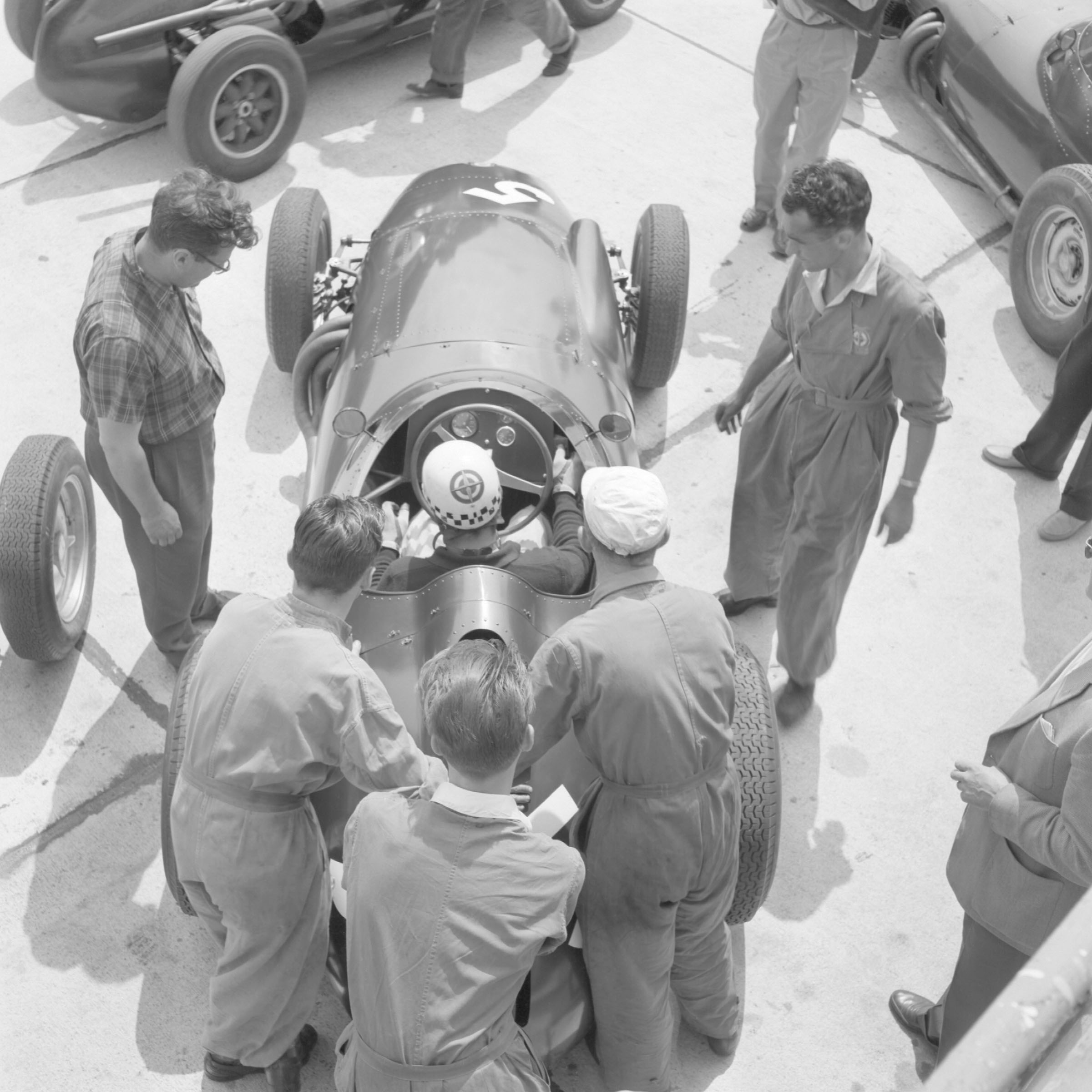 Overhead-picture-of-Jean-Behra-at-the-Nürburgring-in-his-BRM
