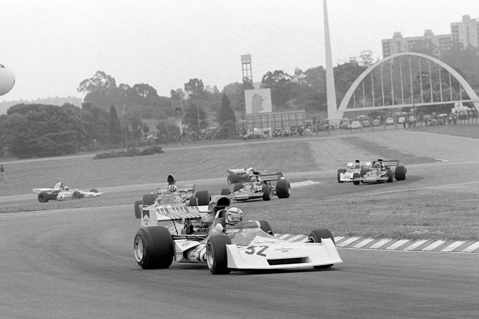 Clay Regazzoni(SUI) leads Francois Cevert(FRA), Emerson Fittipaldi(BRA) Ronnie Peterson(SWE) and Jean Pierre Beltoise(FRA)