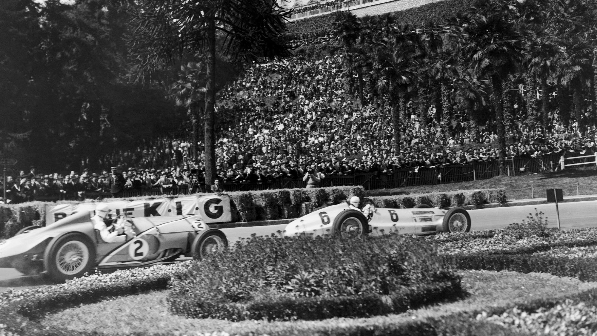 FRANCE - APRIL 11: On The Racing Circuit At The Grand Prix De Pau On April 11, 1938, The French Racecar Driver Rene Dreyfus, In A Delaye 145 (Number 2) Fights For Vies For First Place With Rudolf Caracciola In His Mercedes-Benz W154 (Number 6). (Photo by Keystone-France/Gamma-Keystone via Getty Images)