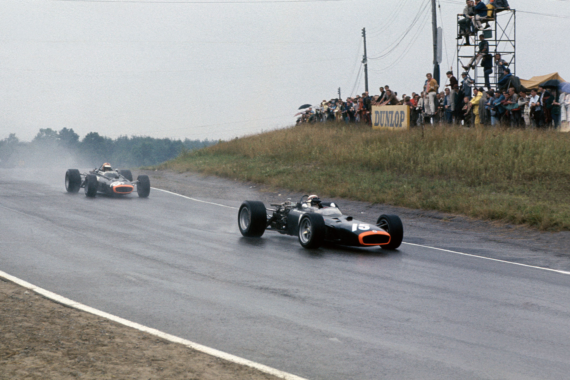 Mosport Park, Ontario, Canada. 25 - 27 August 1967. Jackie Stewart (BRM P83) leads Mike Spence (BRM P83).