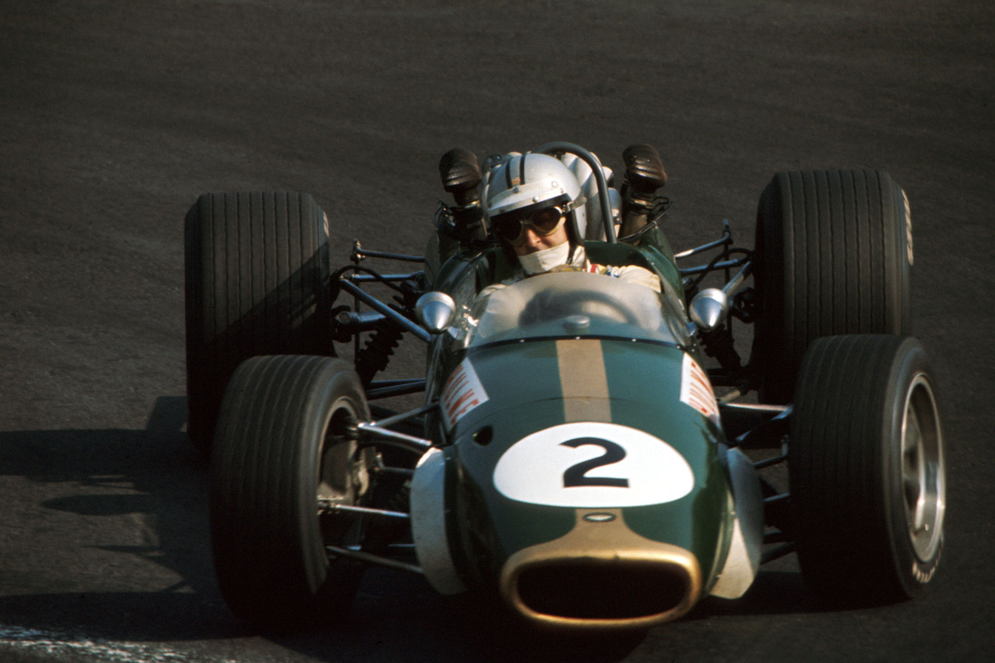 Denny Hulme (NZL) Brabham Repco BT24 finished in 3rd place. Mexican Grand Prix, Mexico City, 22 October 1967.