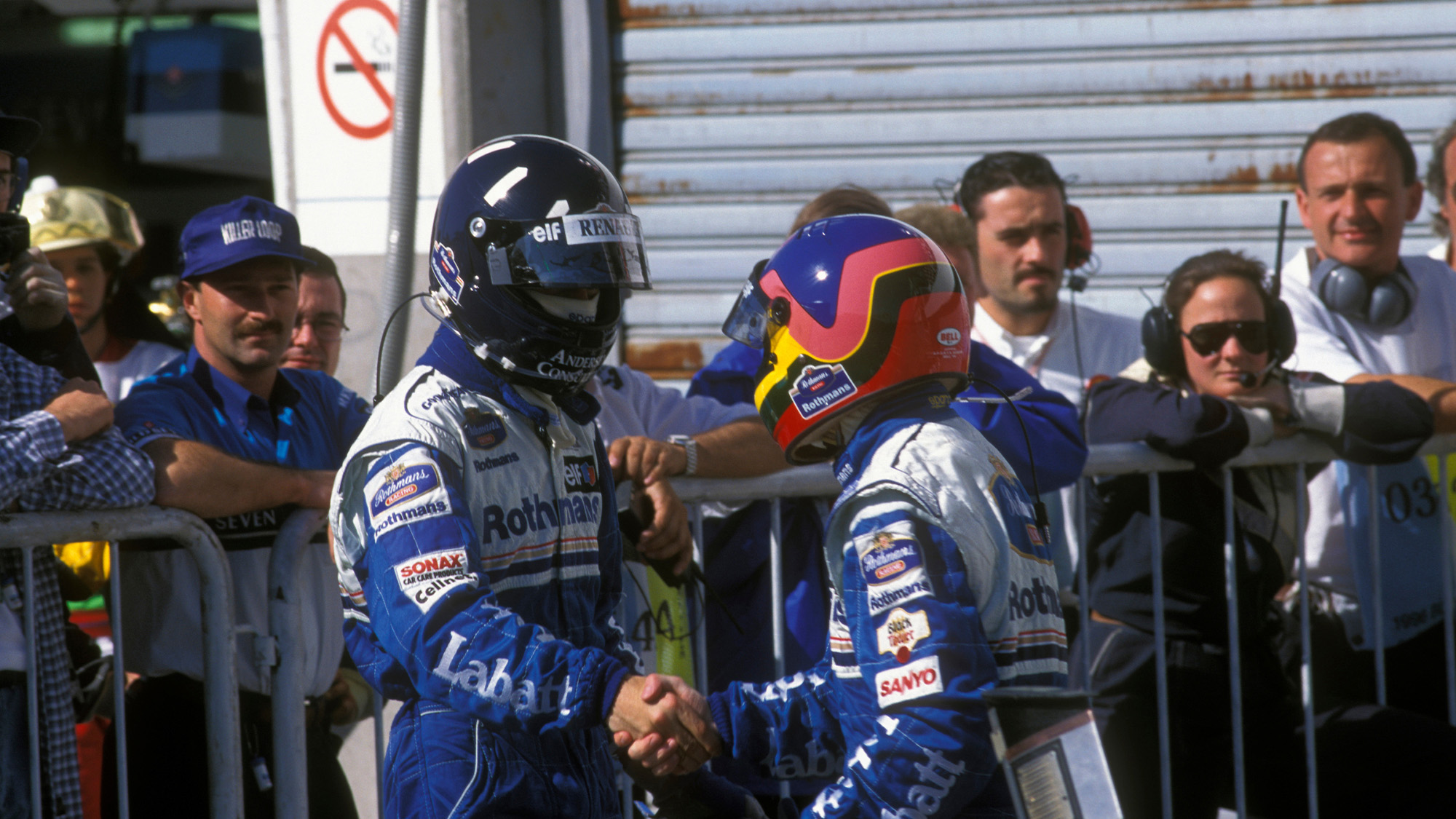 Damon Hill and Jacques Villeneuve shake hands after the 1996 Argentine Grand Prix