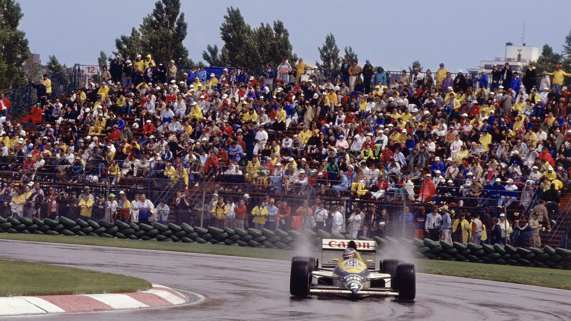 Thierry Boutsen on his way to victory in the 1989 Canadian Grand Prix