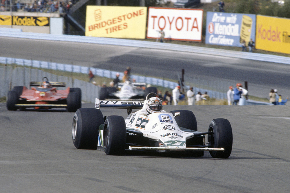Alan Jones (Williams FW07B-Ford Cosworth) leads Gilles Villeneuve (Ferrari 312T5) and Carlos Reutemann (Williams FW07B-Ford Cosworth).