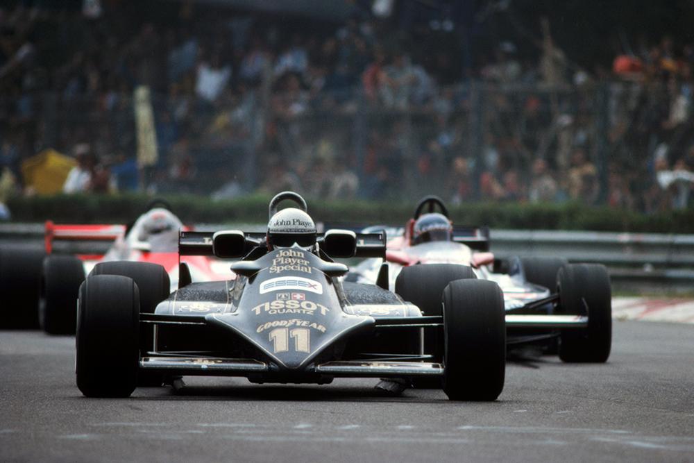 Elio di Angelis in his Lotus 87.