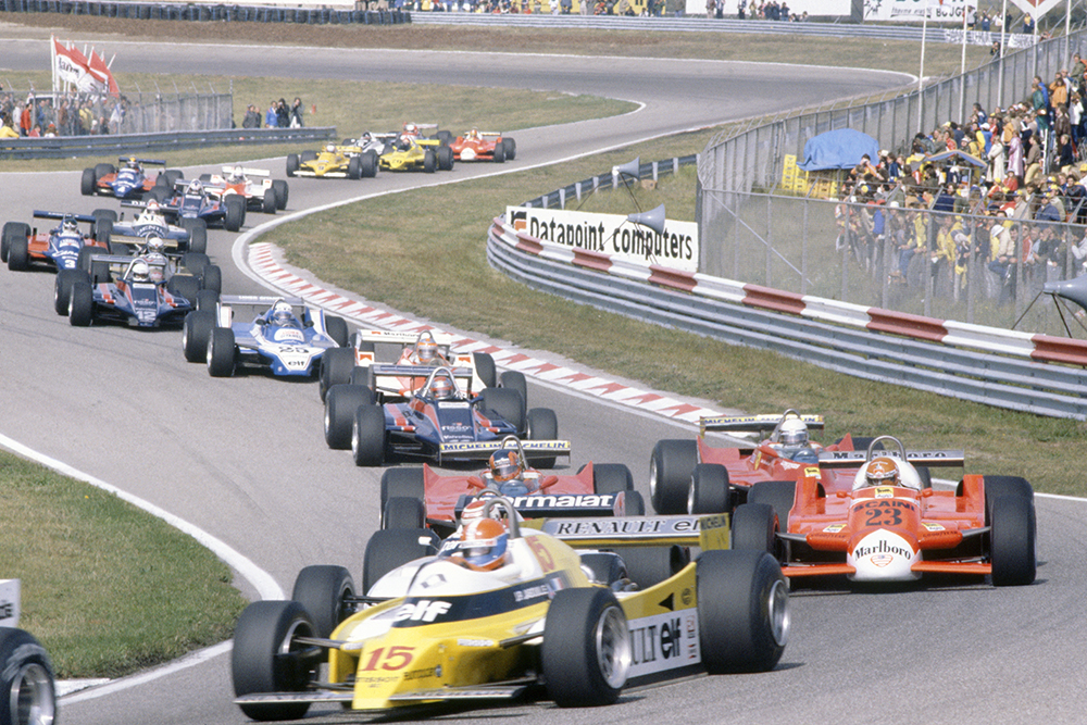 Jean-Pierre Jabouille (Renault RE20) leads Nelson Piquet (Brabham BT49-Ford Cosworth, hidden), Bruno Giacomelli (Alfa Romeo 179B), Gilles Villeneuve, Jody Scheckter (both Ferrari 312T5), Mario Andretti (Lotus 81-Ford Cosworth), John Watson (McLaren M29C-Ford Cosworth), Didier Pironi (Ligier JS11/15-Ford Cosworth), Elio de Angelis (Lotus 81-Ford Cosworth), Riccardo Patrese (Arrows A3-Ford Cosworth), Jean-Pierre Jarier (Tyrrell 010-Ford Cosworth), Eddie Cheever (Osella FA1-Ford Cosworth) and Nigel Mansell (Lotus 81B-Ford Cosworth) at the start.