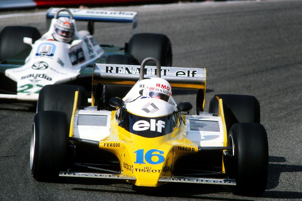 Rene Arnoux (FRA), Renault RE25, leads Alan Jones (AUS), Williams FW07B.