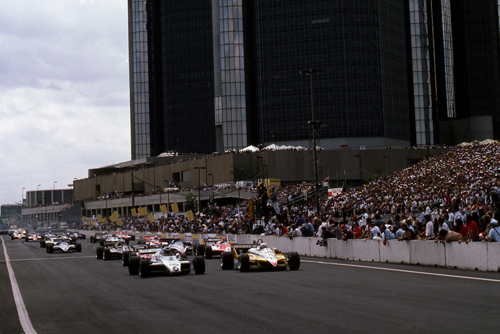 Third on the grid, Keke Rosberg (Williams FW08) pulls alongside Alain Prost (Renault RE30B) at the start of the race.