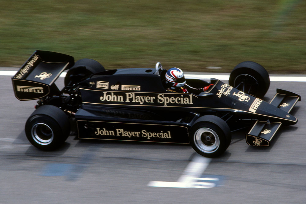 Nigel Mansell in his Lotus 92.