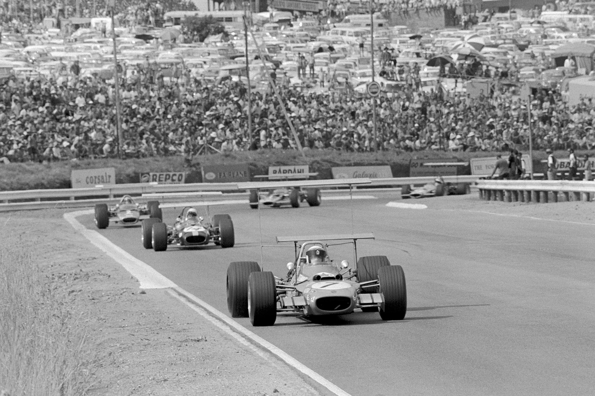 Jackie Stewart leads the field in his Matra at the 2969 South African grand Prix.