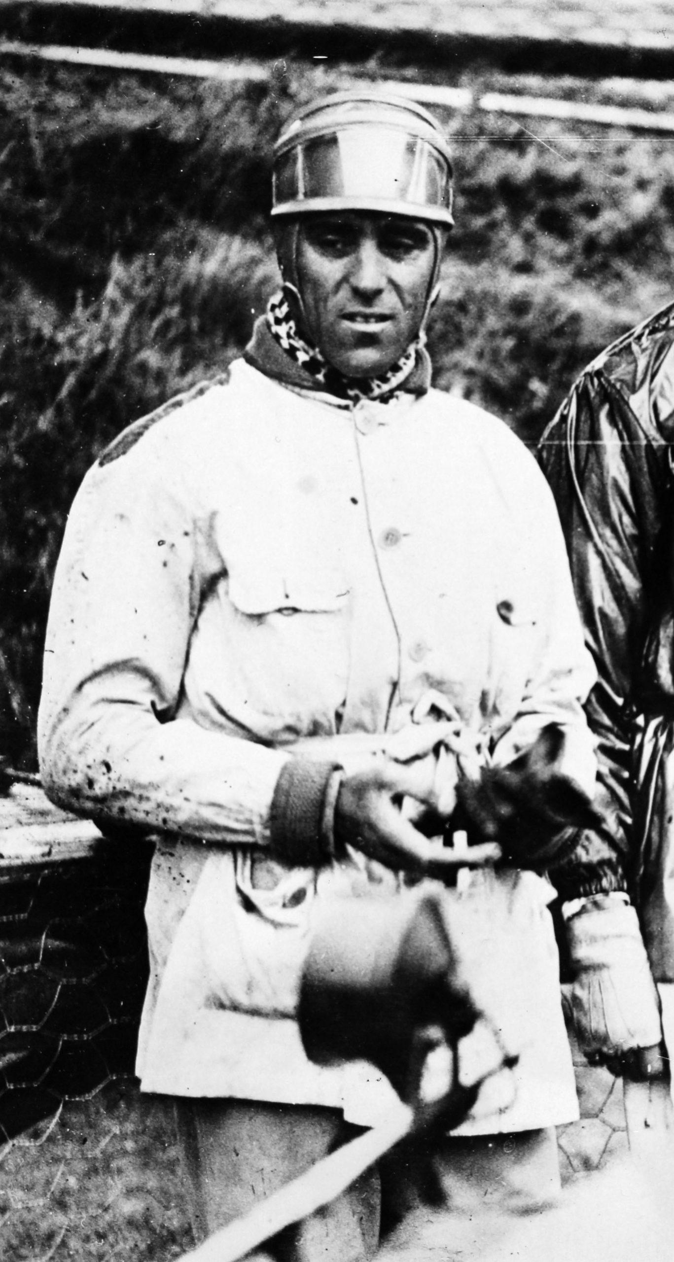 Tazio-Nuvolari-after-winning-the-1932-Monaco-Grand-Prix