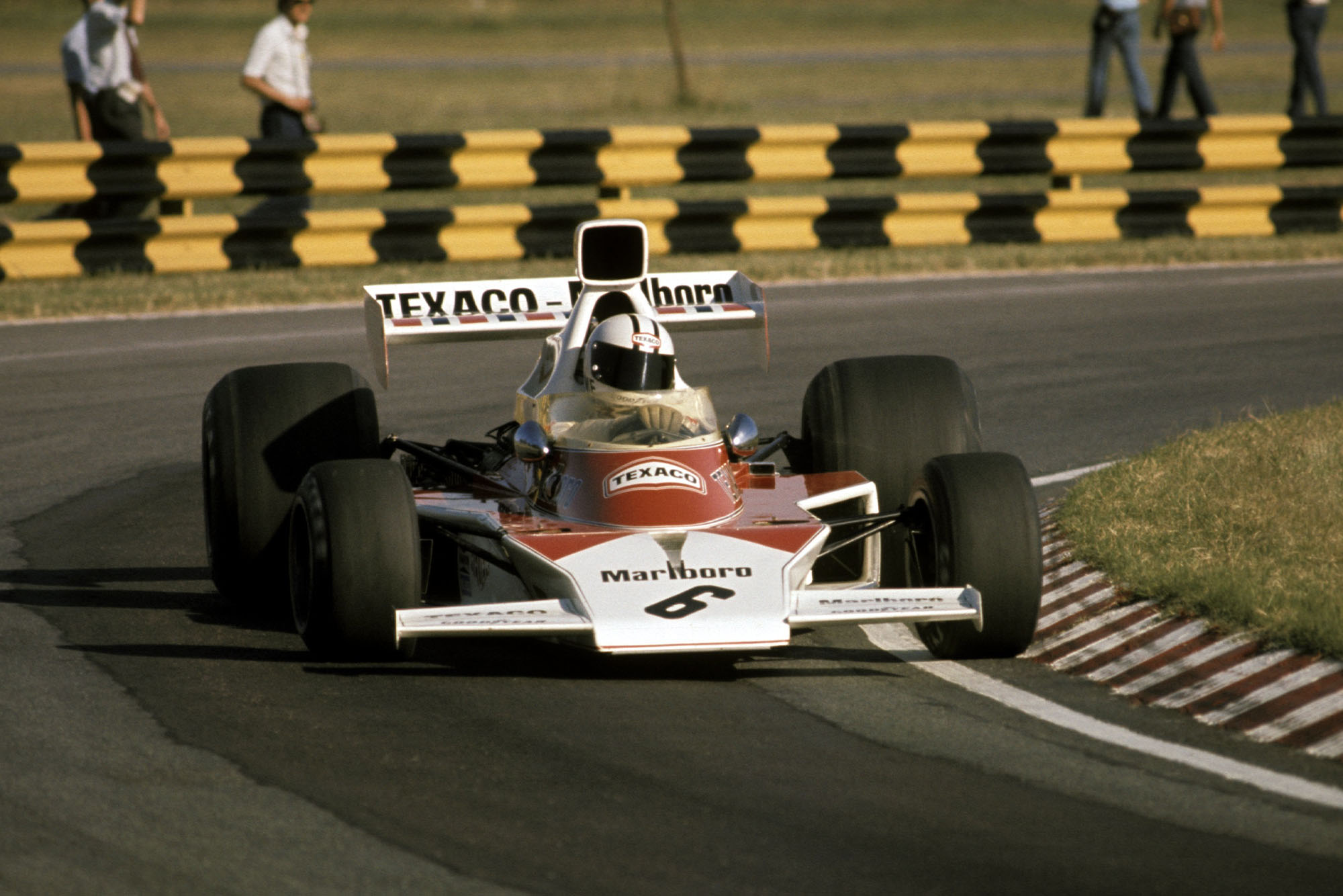 Denny Hulme (McLaren) at the 1974 Argentine Grand Prix, Buenos Aires