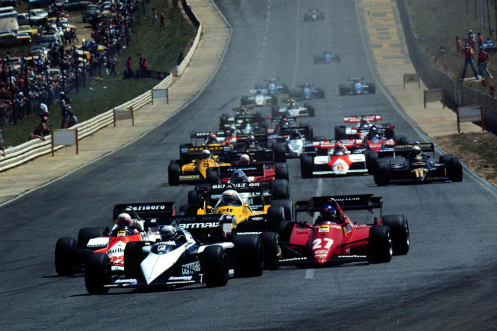 Ricardo Patrese leads the field at the start of the race, eventually winning ahead of Andrea de Ceraris and team Mate Nelson Piquet.
