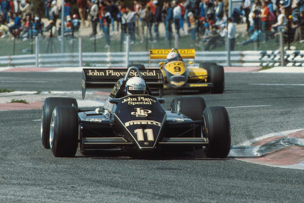 The Lotus of Elio de Angelis, leads the ATS of Manfred Winkelhock.