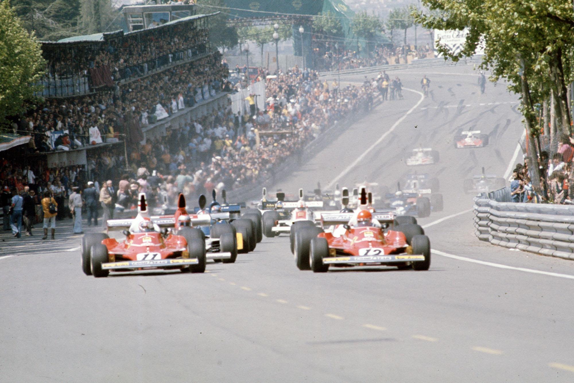 Niki Lauda leads at the start of the 1975 Spanish Grand Prix, Montjuïc.