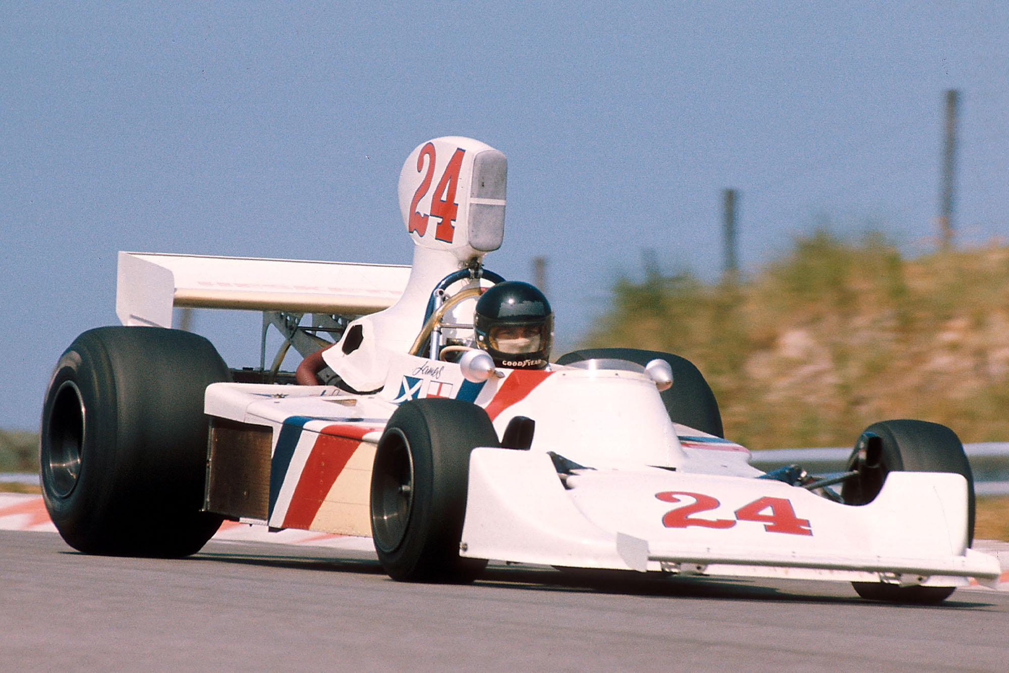 James Hunt (Hesketh) driving at the 1975 Dutch Grand Prix, Zandvoort.