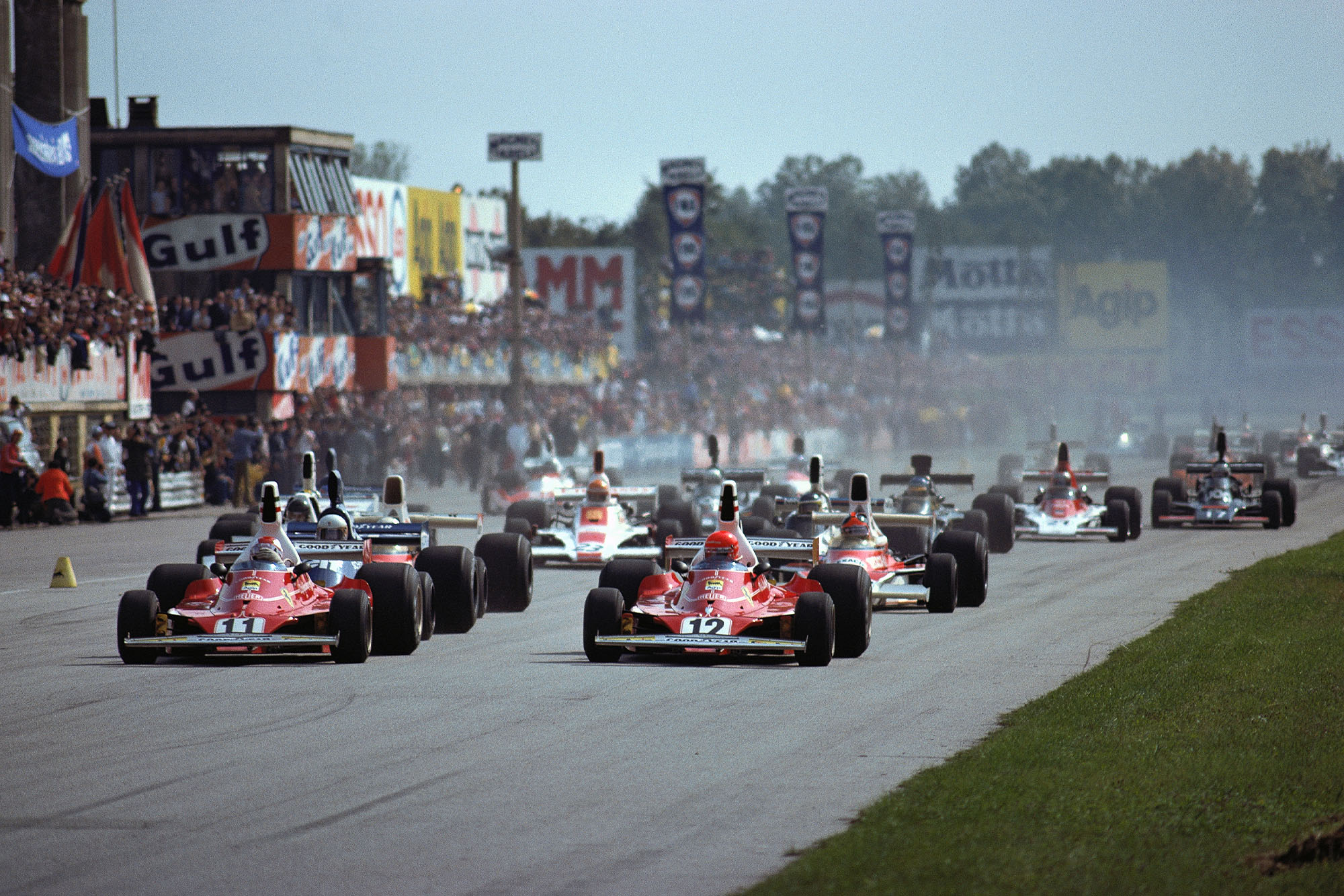 The 1975 Italian Grand Prix gets underway at Monza.