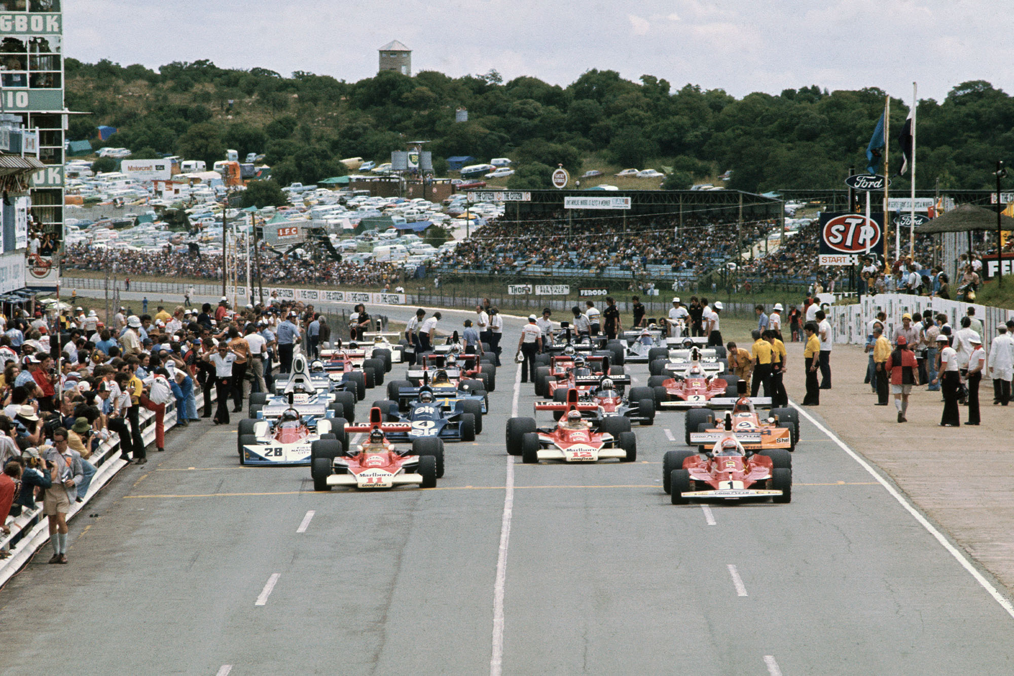 The 1976 South African Grand Prix gets underway
