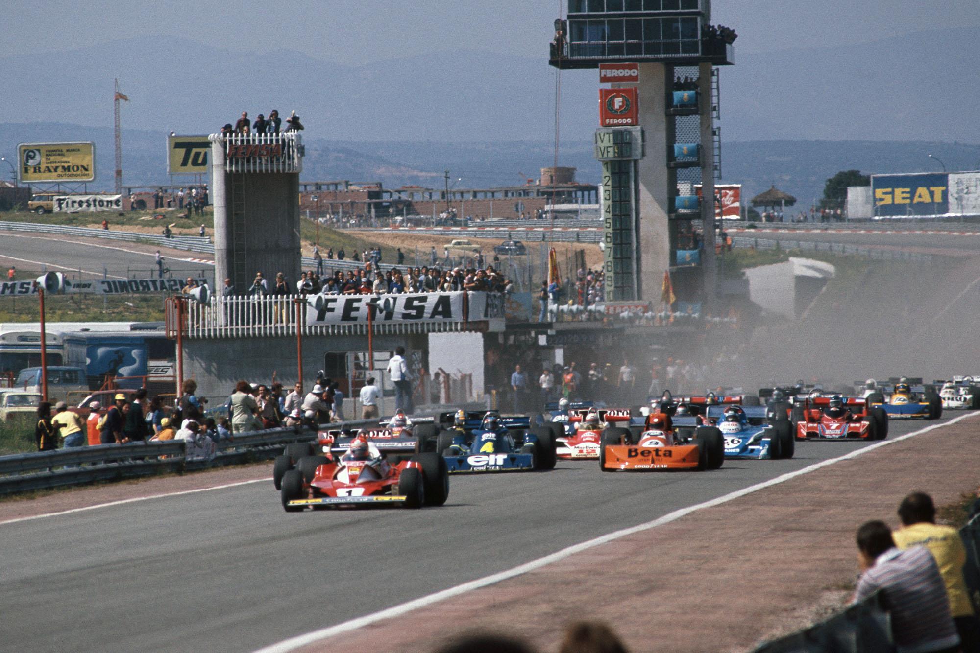 The 1976 Spanish Grand Prix gets underway.