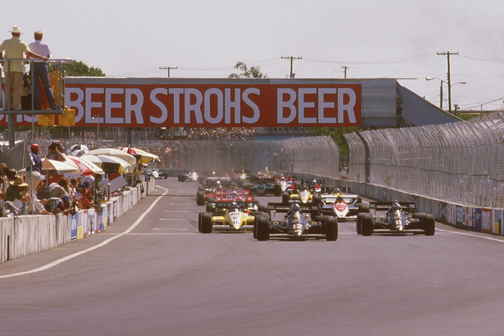 Nigel Mansell leads Elio de Angelis (both Lotus 95T Renault's) and Derek Warwick (Renault RE50) at the start.
