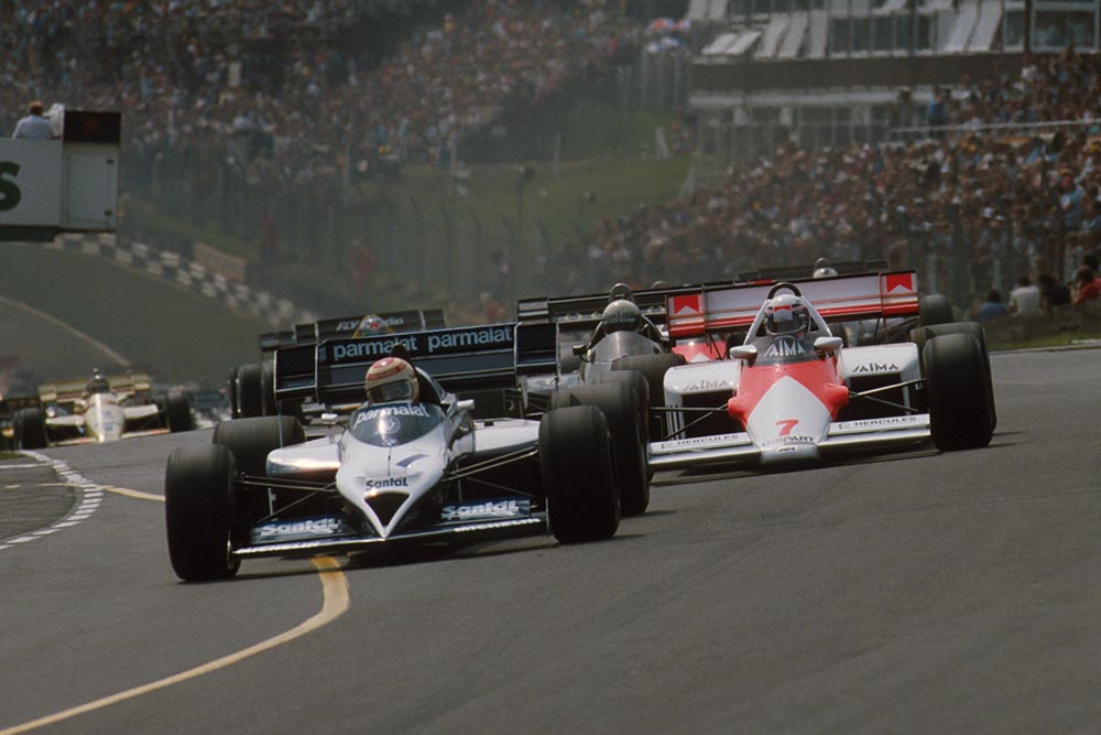 Nelson Piquet, Brabham BT53, leads the start.