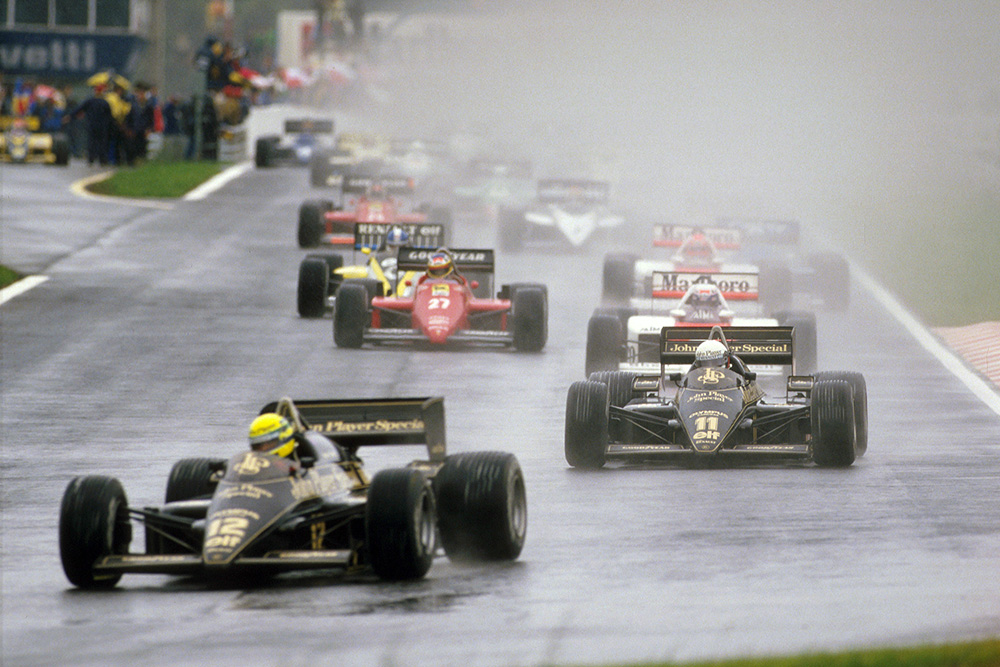Ayrton Senna leads teammate Elio de Angelis (both Lotus 97T Renault's), Alain Prost (McLaren MP4/2B TAG Porsche) and Michele Alboreto (Ferrari F156/85) at the start.