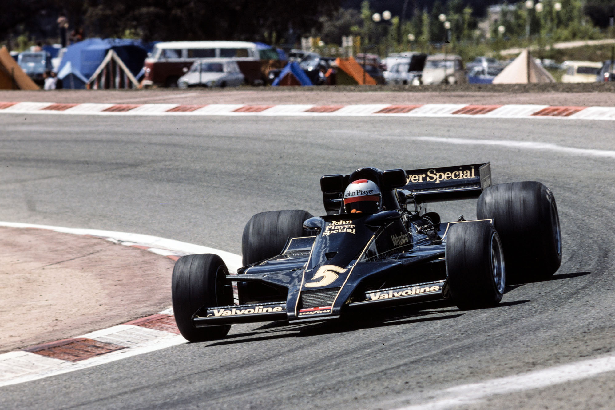 Mario Andretti (Lotus) at the 1977 Spanish Grand Prix, Jarama.