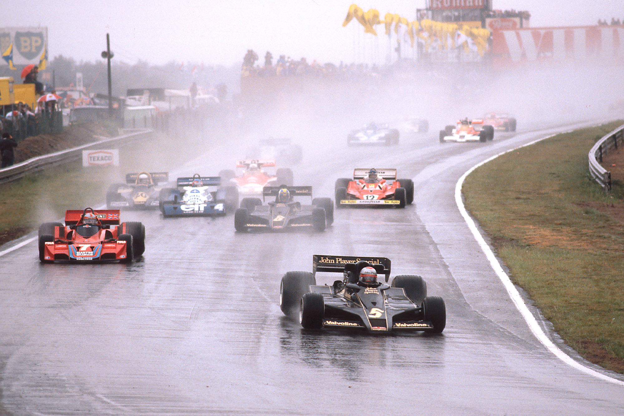 Mario Andretti leads the field at the start of the 1977 Belgian Grand Prix, Zolder.