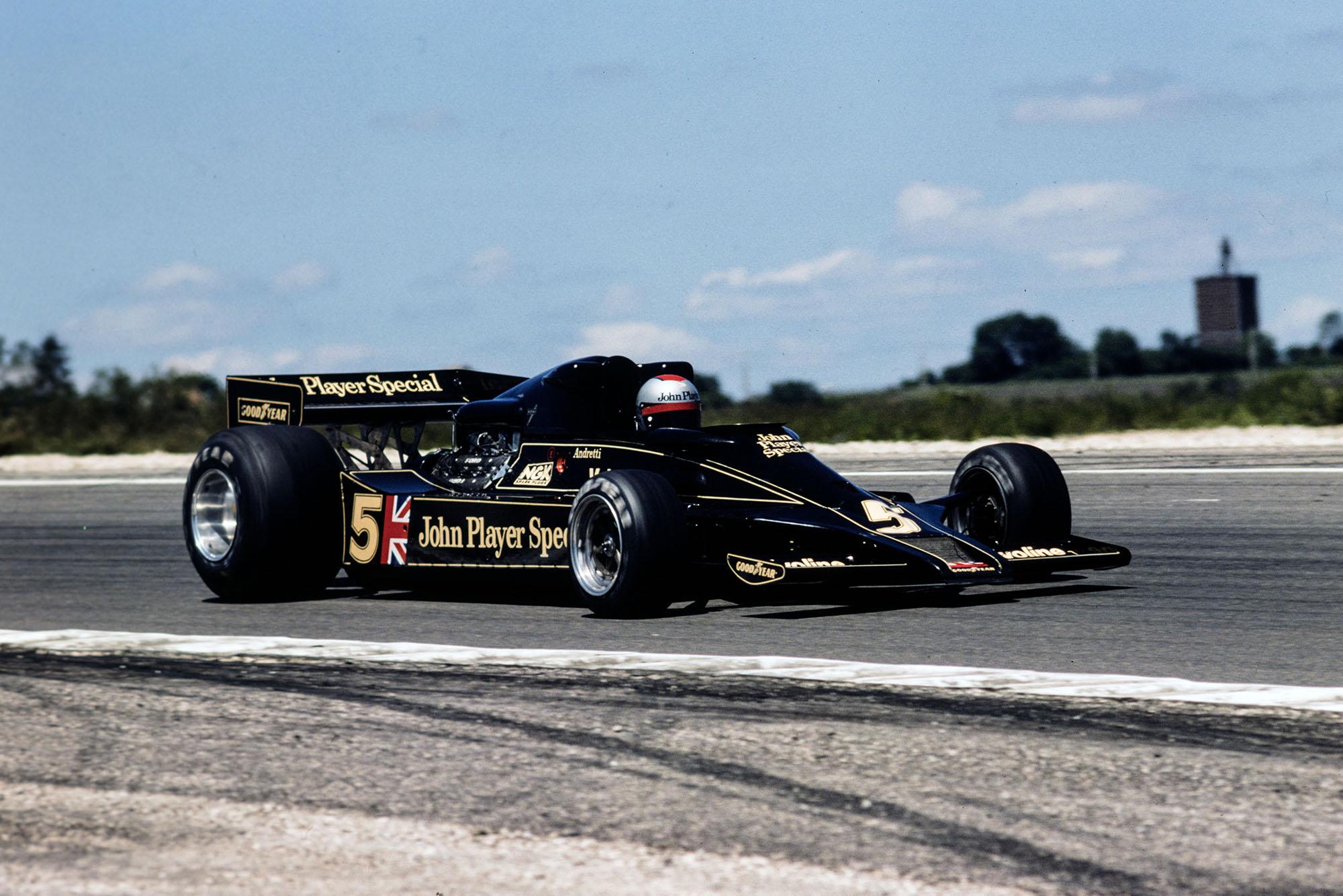 Mario Andretti (Lotus) at the 1977 french Grand Prix, Dijon.