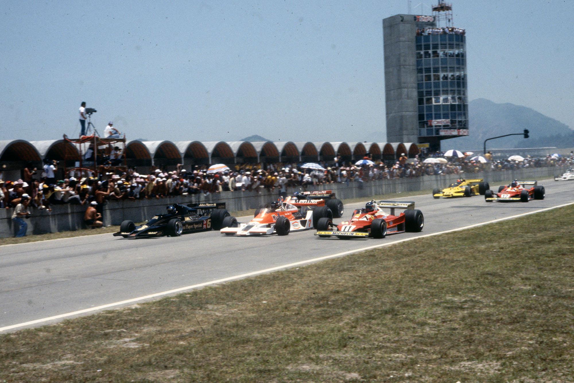 The 1977 Brazilian Grand Prix gets underway, Jacarepagua.