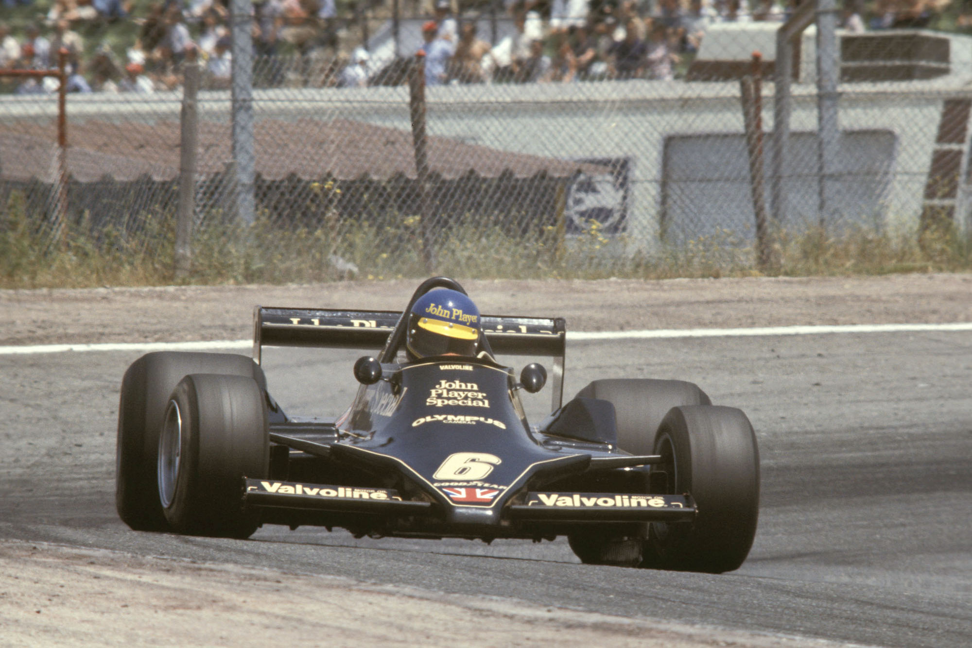 Ronnie Peterson (Lotus) competing at the 1978 South African Grand Prix, Kyalami.
