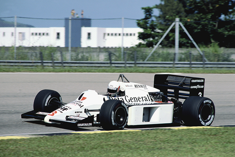 Martin Brundle driving his Tyrrell 014 Renault.