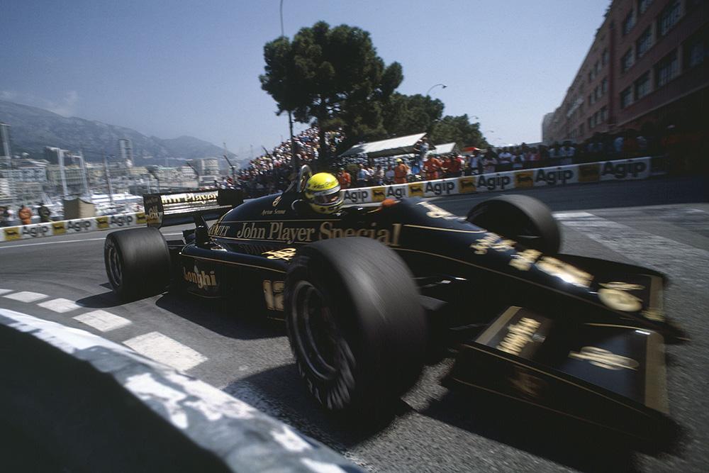 Ayrton Senna in his Lotus 98T-Renault.