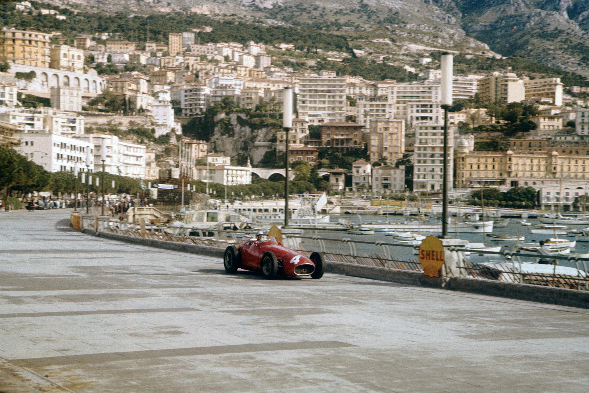 Andre Simon attempts to qualify his Maserati 250F at the 1957 Monaco Grand Prix.
