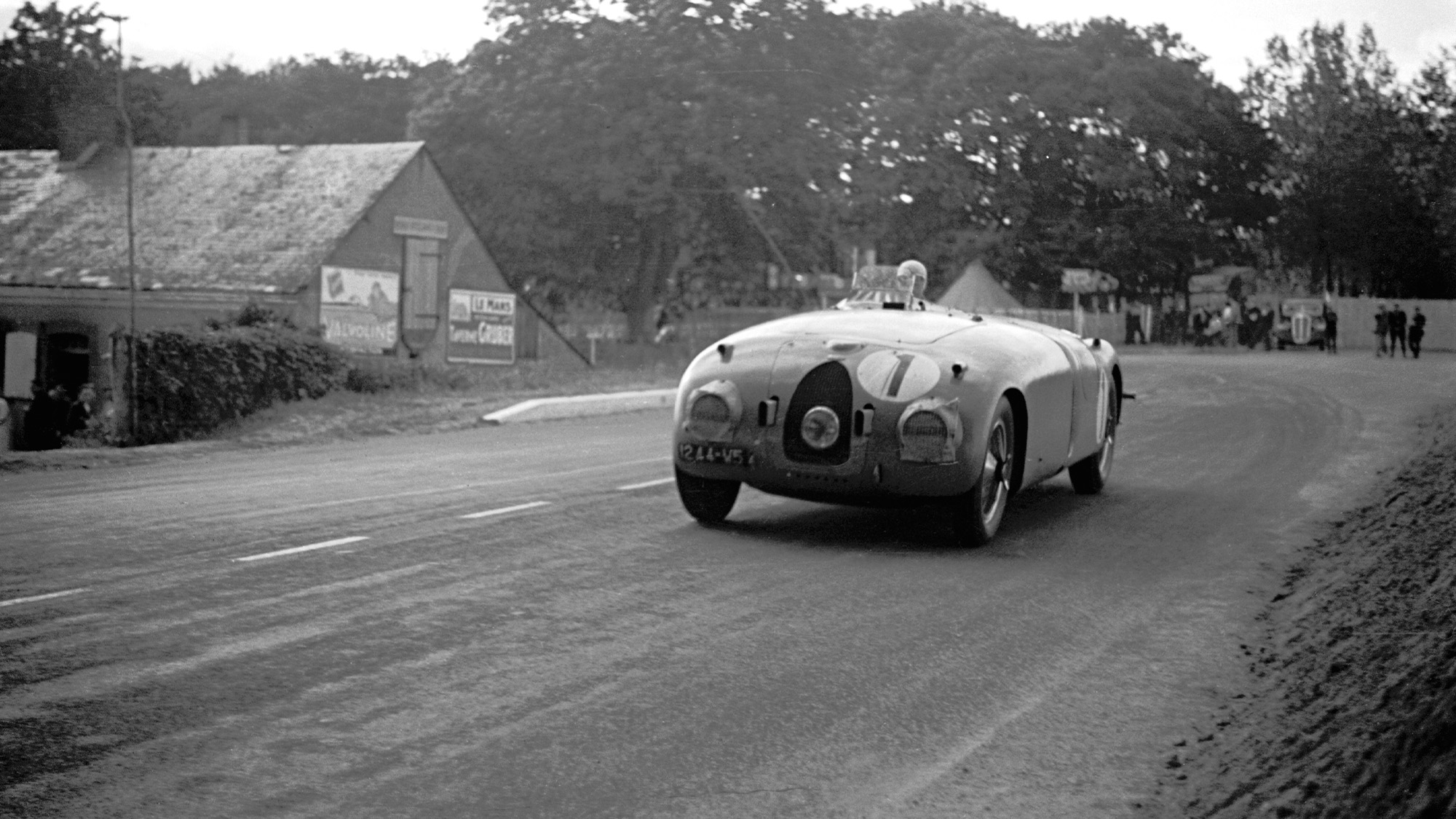 Bugatti of Jean-Pierre Wimille and Pierre Veyron at Le Mans in 1939