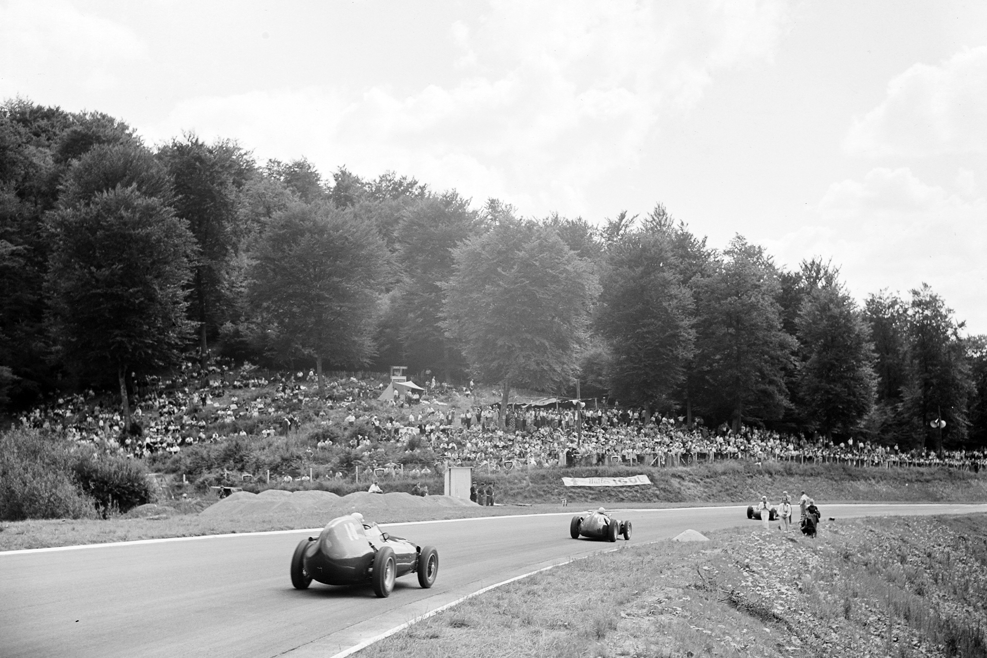 Herbert MacKay-Fraser, BRM P25, leads Stuart Lewis-Evans, Vanwall, 1957 French Grand Prix, Rouen.