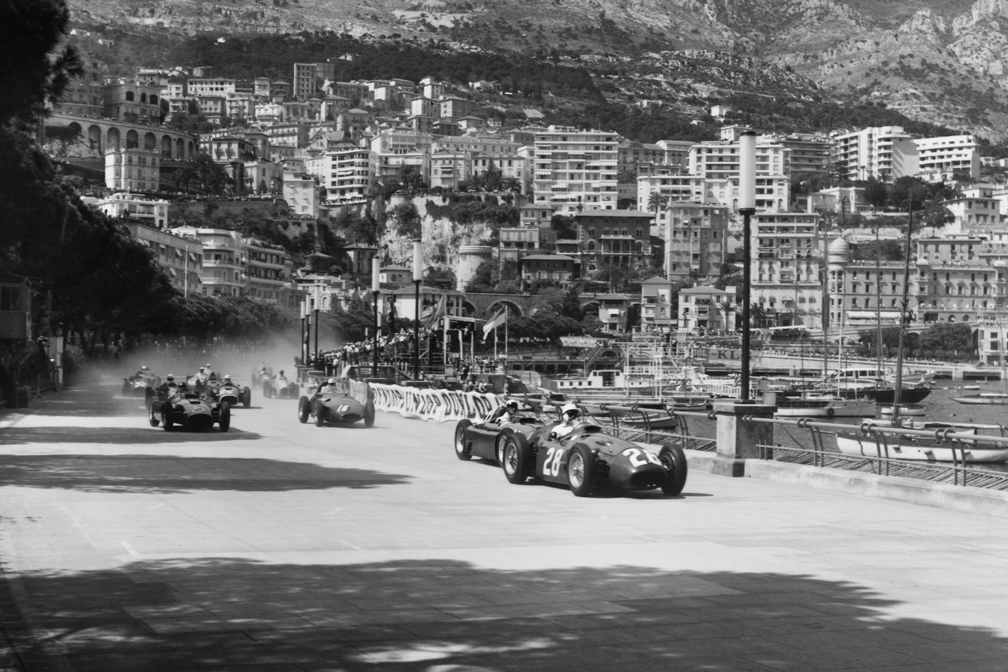 Stirling Moss leads at the start