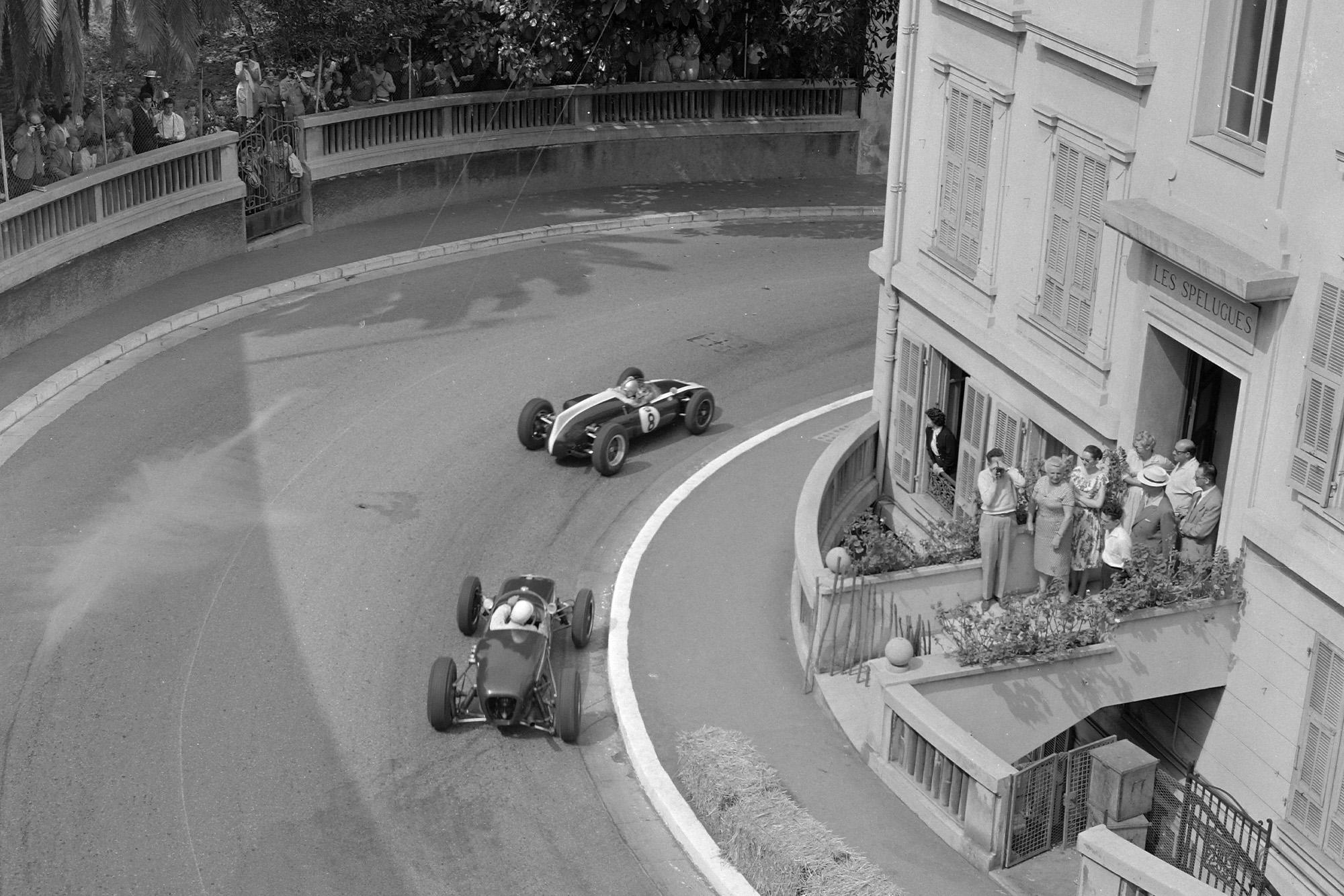 Brabham leads Moss