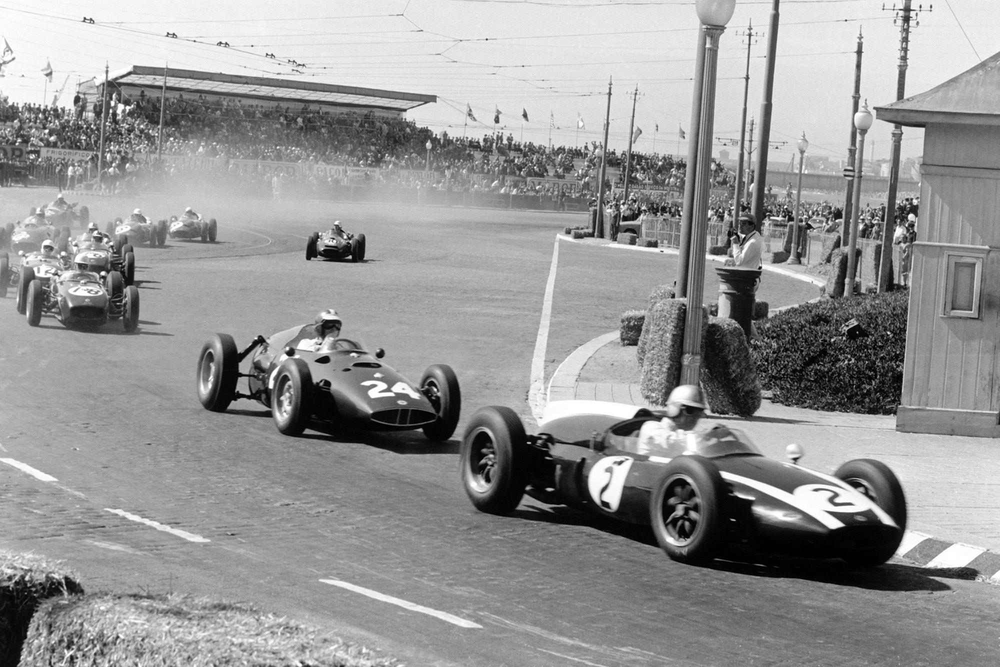 Brabham leads the field at the start