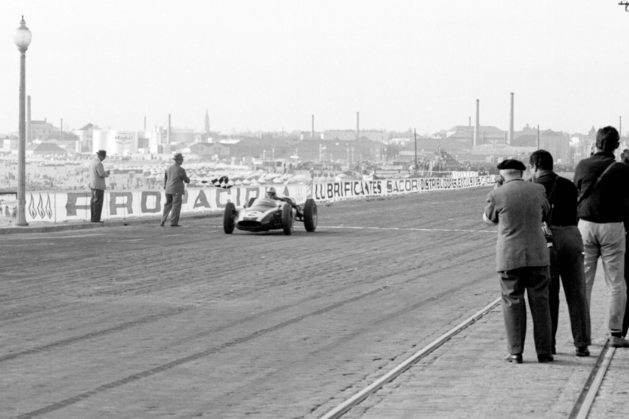 Brabham takes his 5th win in a row