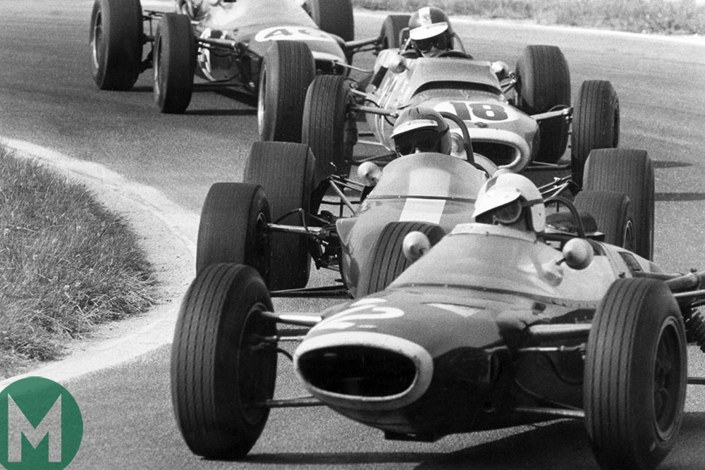 Dickie Attwood, Lola T61-Cosworth, leads Mike Spence, Lotus 44-Cosworth, Jean-Pierre Beltoise, Matra MS5-Cosworth and Eric Offenstadt, Lola T60-BRM. REIMS F2 1966