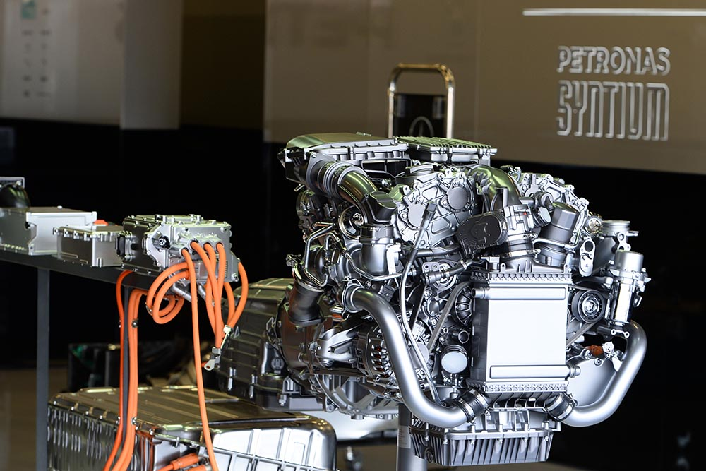 Mercedes engine on display at 2014 F1 testing