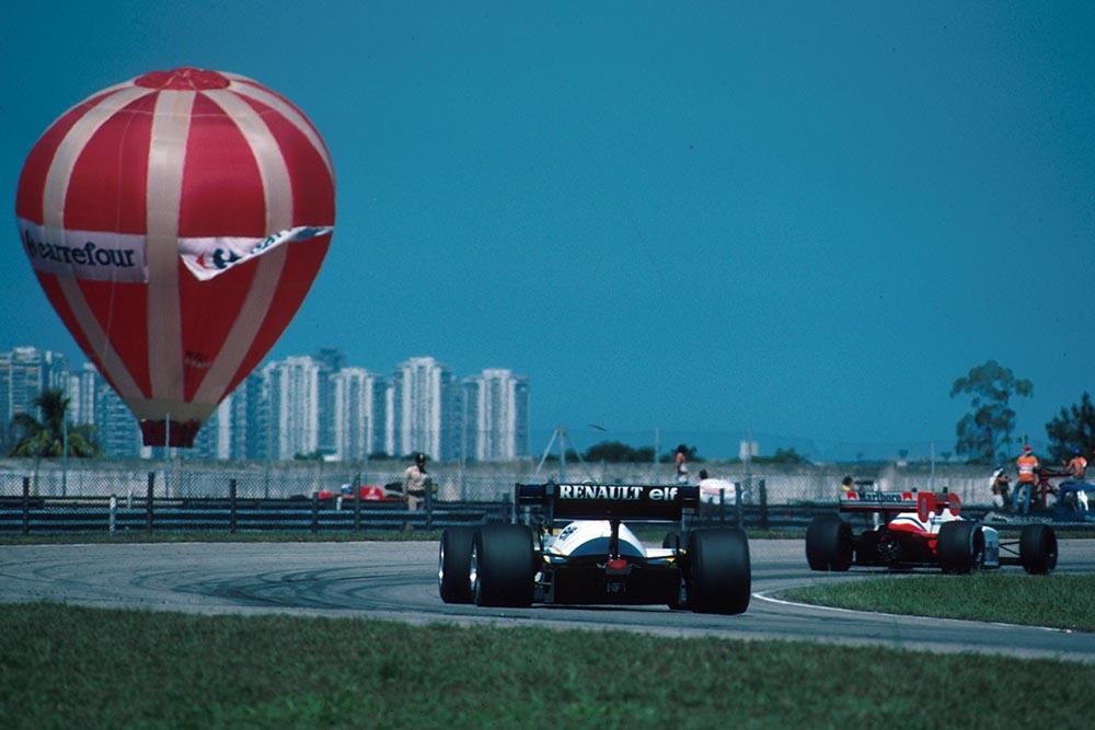 Renault chases the Mclaren MP4-2 of Niki Lauda.